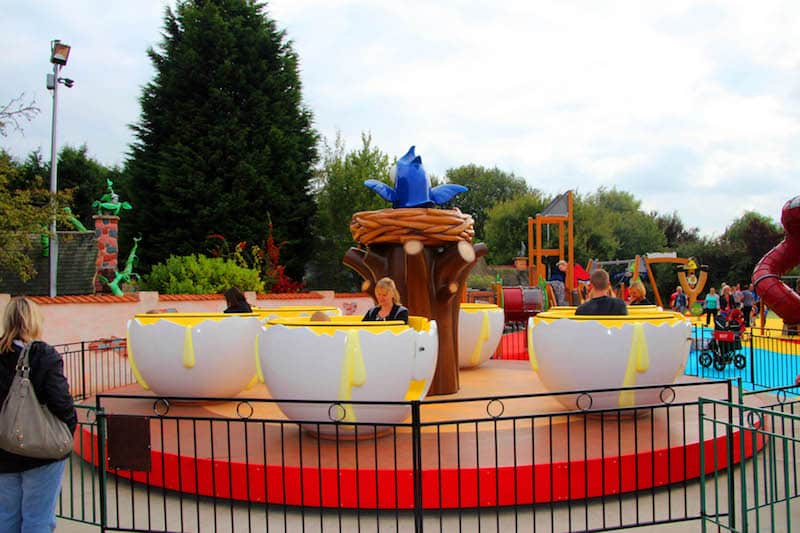 Question 1 How many egg cups can you ride on at the Okie Yolkie Egg Ride at Sundown Advenureland